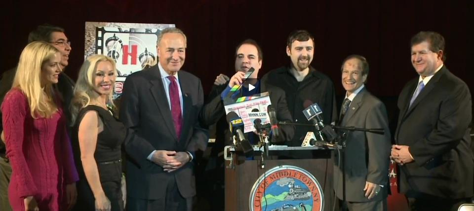Pic - KD & Schumer press conf 13