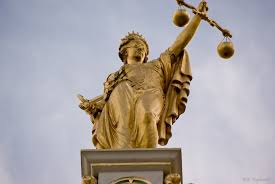 pic-scales-of-justice-statue-2