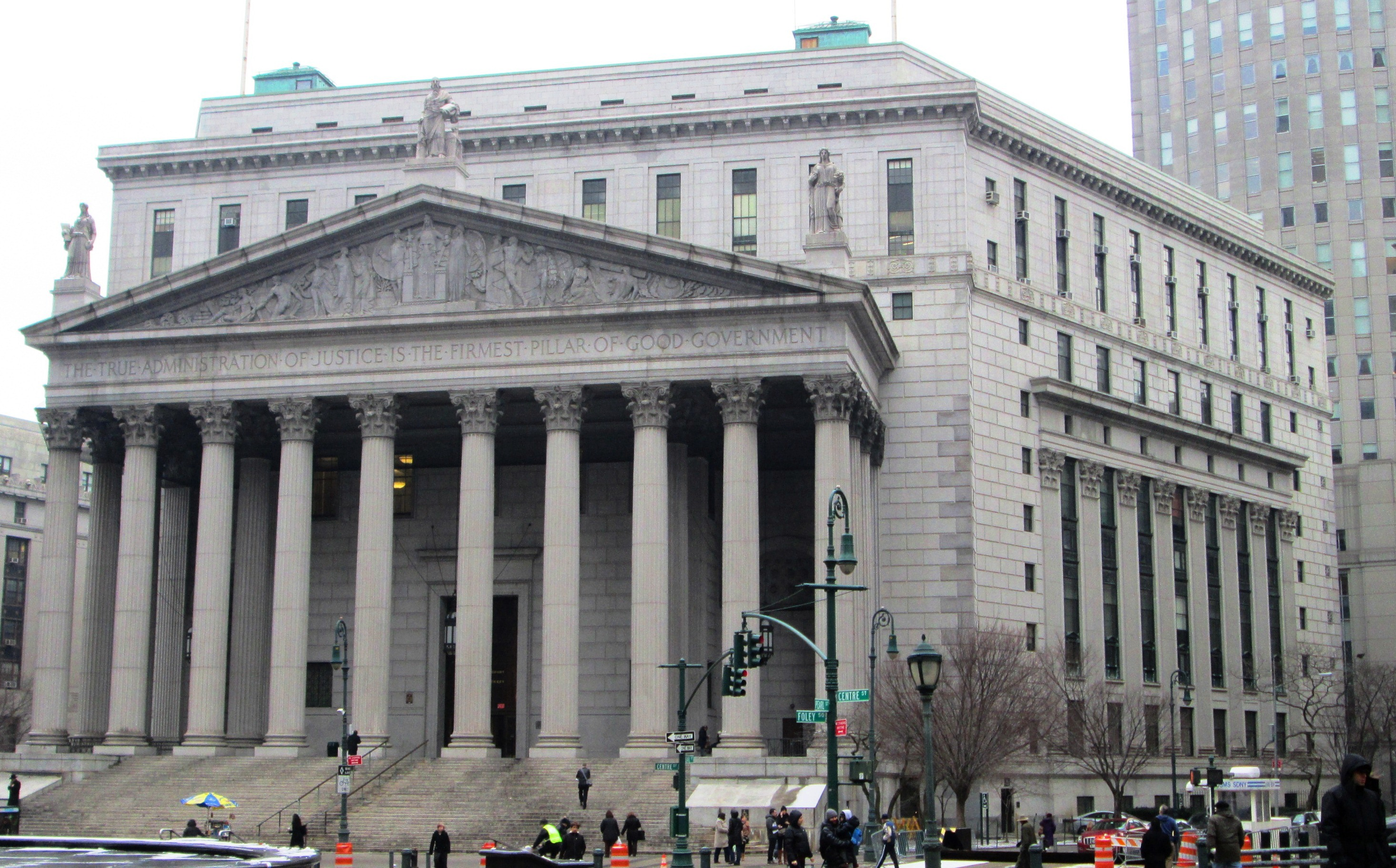 New_York_State_Supreme_Courthouse_60_Centre_Street_from_southwest