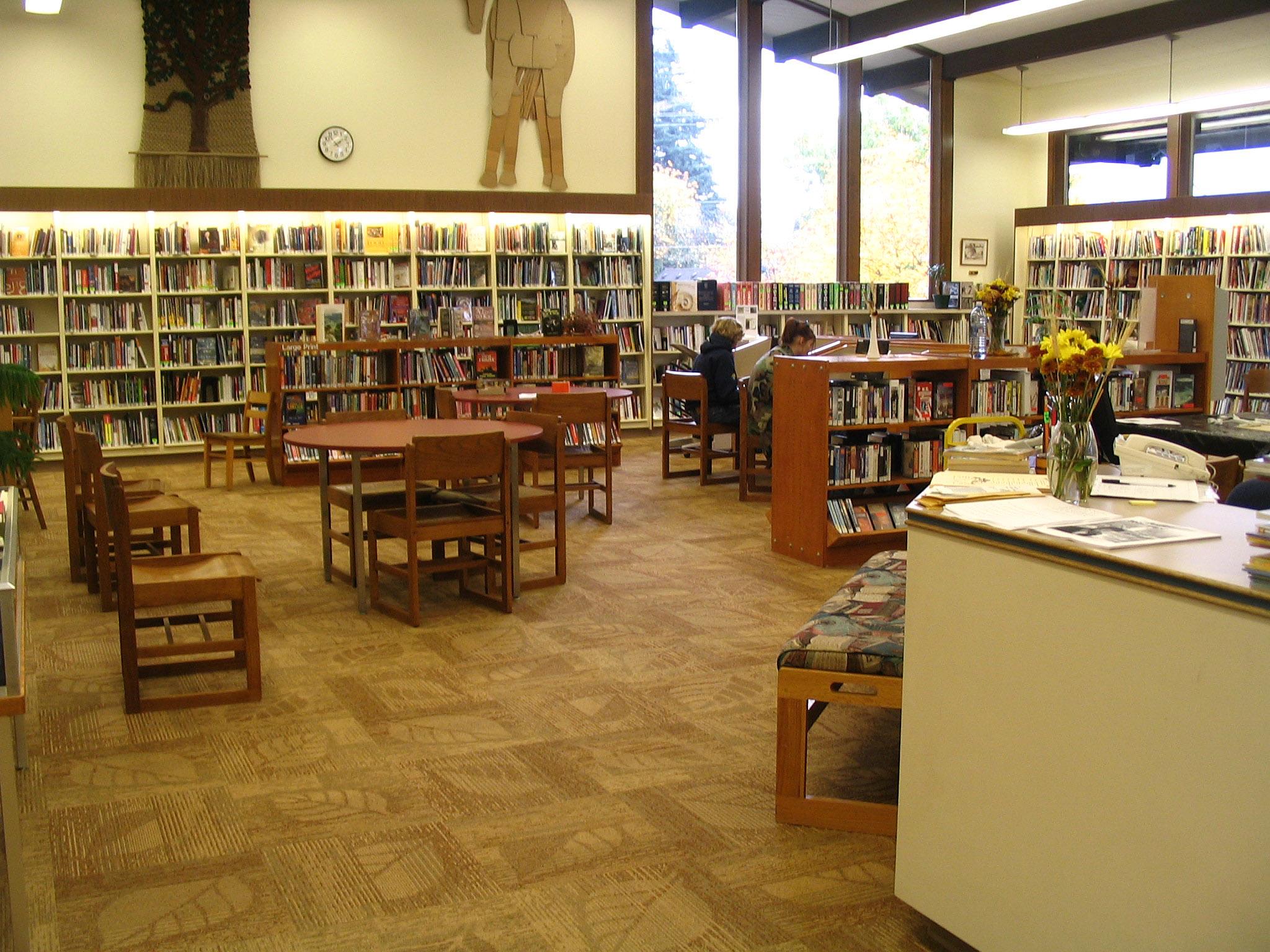 Stevenson_Washington_public_library_interior