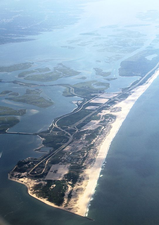 542px-NY_Long_Island_with_East_Bay_and_Jones_Beach_State_Park_IMG_1956